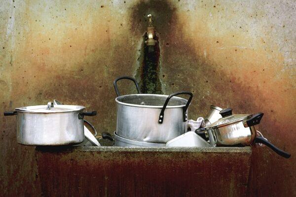 piatti sporchi da lavare